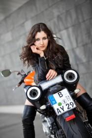 Sally & Bike 3